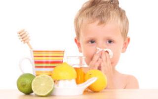 Боль в горле при глотании без температуры: с одной стороны, у взрослых, у ребенка, лечение