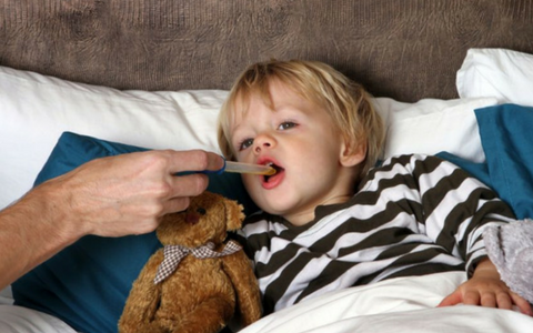 Лающий кашель у ребенка: как и чем лечить, если не проходит, что дать выпить при сильном и выраженном симптоме, как остановить по ночам и утром, ингаляции