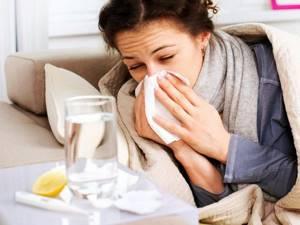 Простуда при беременности: особенности лечения на раннем сроке, какие лекарства и таблетки можно принимать во 2 и 3 триместрах, опасна ли болезнь для ребёнка