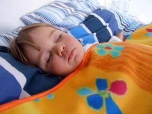 Ночной кашель у ребенка: причины, как остановить и снять приступ, что делать, чтобы облегчить состояние, требуется ли лечение