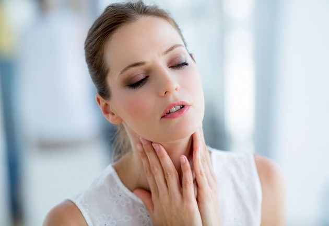 Лучшие спреи в горло при ангине с антибиотиком