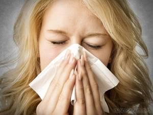 Мокрота — в горле, легких, бронхах, причины, цвет и виды отхаркиваемого, откуда берется, можно ли глотать