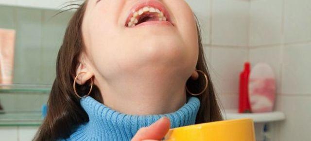 Как полоскать горло Мирамистином, как разводить и использовать