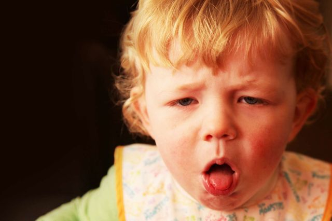 Сухой кашель у ребенка без температуры: частый, постоянный, долгий, затяжной, продолжительный, почему бывает ночью, у грудничка, нужно ли лечить