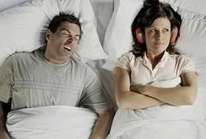 Болит горло по утрам, потом проходит, почему?