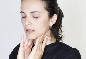 Воспалились лимфоузлы на шее и болит горло, чем лечить, антибиотики