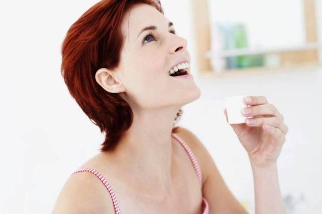 Как полоскать горло Хлоргексидином: инструкция по применению