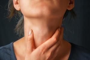 Першит горло, как быстро вылечить в домашних условиях