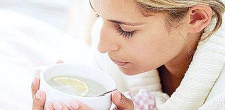 Чем лучше полоскать горло при ангине: растворы и средства