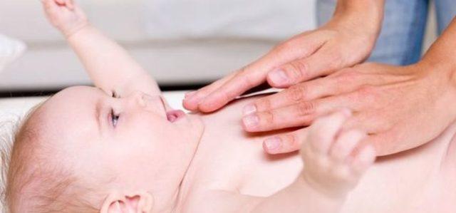 Массаж для отхождения мокроты у ребенка: как делается для улучшения отхаркивания, особенности проведения процедуры у грудничков